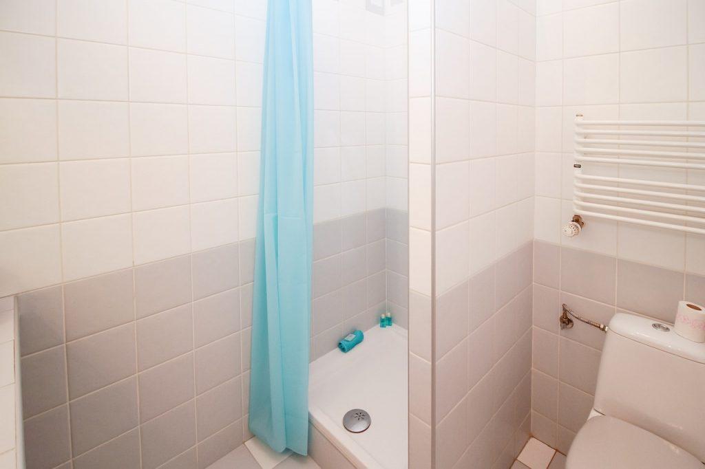 reformar cuarto de baño cambiar bañera por ducha